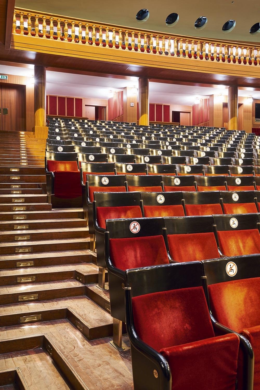 IDEAT travel Guide Genua Teatro Carlo Felice